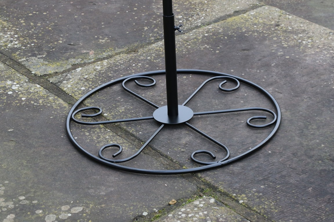 Patio Stand For Bird Feeding Stations Buy Online At Vine